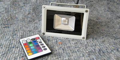 RGB-прожектор