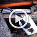 Кривые руки электриков – греющий кабель прожег трубу. Как так можно?!